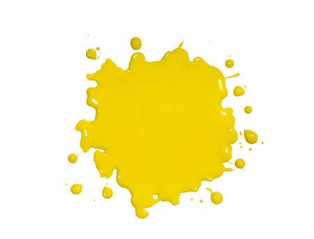 pintura derramada: Gore de pintura amarilla aislado sobre fondo blanco