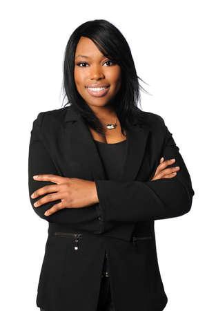 businesswoman suit: Empresaria estadounidense con los brazos cruzados aislados sobre fondo blanco