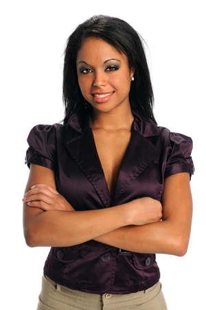 Portret van prachtige Afrikaanse Amerikaanse zaken vrouw glimlachend geïsoleerd op witte achtergrond