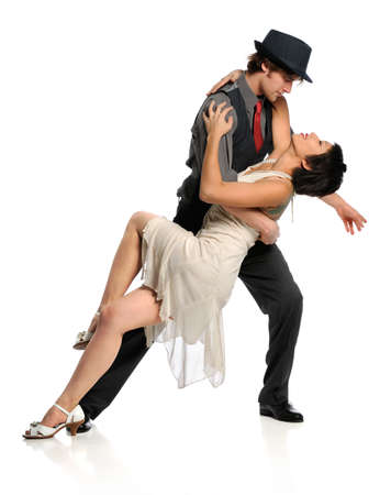 젊은 커플 댄스 볼룸 댄스 흰색 배경 위에 절연