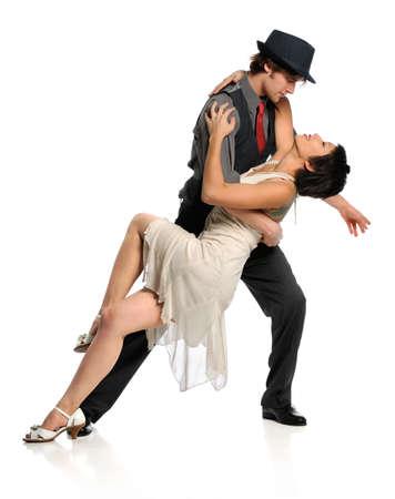 """tanieć: MÅ'ody taniec para taÅ""""ca towarzyskiego izolowanych na biaÅ'ym tle"""