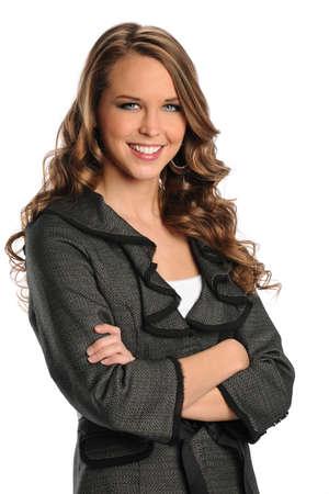 Portret van prachtige zakenvrouw lachend met armen overgestoken geïsoleerde witte achtergrond Stockfoto