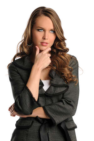 mujer pensativa: Retrato de pensamiento empresaria aislada sobre fondo blanco Foto de archivo