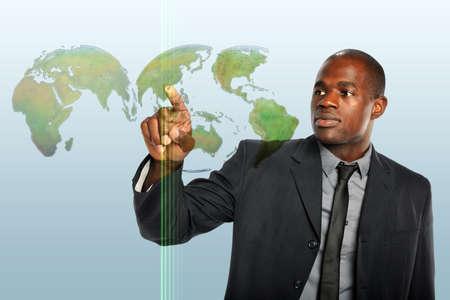 아프리카 계 미국인 사업가 감동 세계지도 홀로그램 스톡 콘텐츠