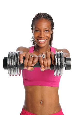 dreadlocks: African American mujer levantando pesas aislados sobre fondo blanco