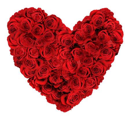 forme: Bouquet en forme de coeur de roses rouges isolé sur fond blanc Banque d'images