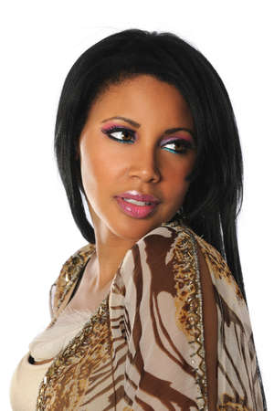 femme africaine: Portrait de la belle femme afro-am�ricaine isol� sur fond blanc Banque d'images