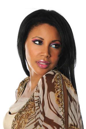 Portret van mooie Afrikaanse Amerikaanse vrouw geïsoleerd op witte achtergrond Stockfoto