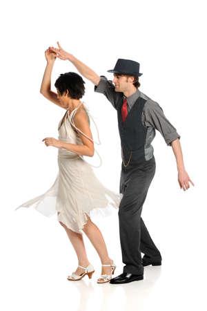 pareja bailando: Pareja bailando sobre fondo blanco aislado Foto de archivo