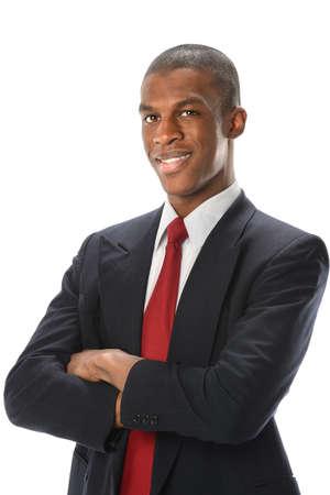 negro: Retrato de hombre de negocios estadounidense con los brazos cruzados aislados sobre fondo blanco
