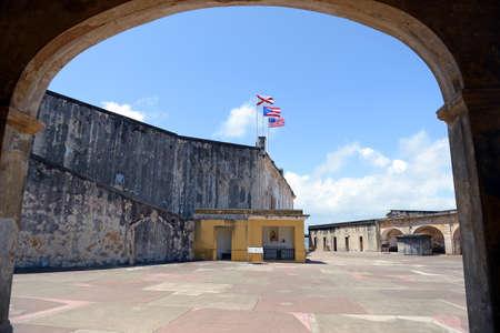 bandera de puerto rico: Colonial fuerte San Cristóbal en San Juan Puerto Rico