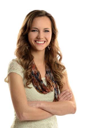 Portret van jonge zakenvrouw met armen gekruist geïsoleerd over witte achtergrond Stockfoto