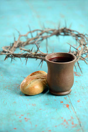 bread and wine: Bread, wine and crown of thorns as symbols of communion