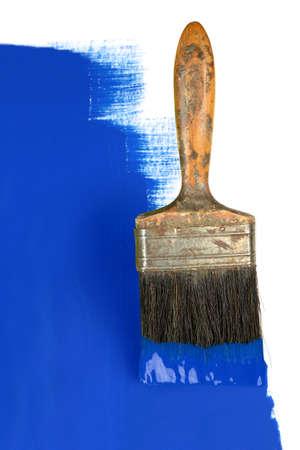 pinceau vintage avec de la peinture bleue