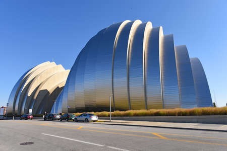 expressionism: KANSAS CITY, MO - OCTOBER 11: Kauffman Center for the Performing Arts in Kansas City, Missouri. Designed by Architect Moshe Safdie and completed in 2011 as an example of Structural Expressionism known as High Tech Modernism. Editorial