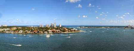 fort lauderdale: Aerial view of Fort Lauderdale during sunny day