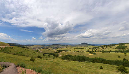 View of Cripple Creek town from higher elevation- stitched from 4 images Banque d'images