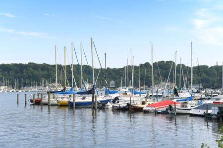 Zeilboten in de haven van Michigan van Michigan