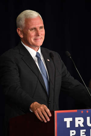 Chesterfield, MO, USA – September 06, 2016: Republican vice presidential candidate, Indiana Governor Mike Pence speaks to supporters at a rally in Chesterfield, Missouri. Banco de Imagens - 69962107