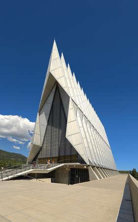 Colorado Springs, CO, États-Unis - Le 23 juillet 2016: la chapelle de l'Académie de l'Air Force à Colorado Springs, au Colorado. Banque d'images - 69962127