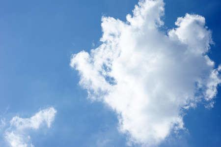 strikingly: A blue sky usable as a background