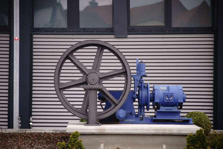 A pump for decoration with a large spokes gear.