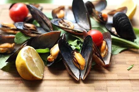 Impepata di cozze ist ein typisch italienisches Gericht mit Muscheln Standard-Bild - 51305909