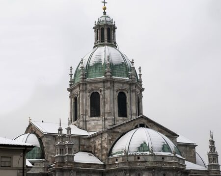 cattedrale: Cathedral of Como with snow Stock Photo