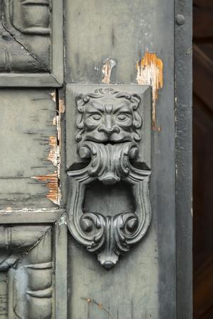 splintered: Handle old style of door splintered