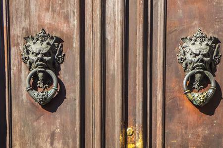 macro film: Italian door knocker: face terrifying