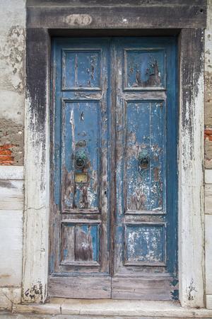 macro film: Italian door knocker in the shape of a lions head