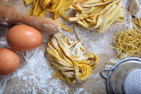 Verse pasta zelfgemaakte voorbereiding Stockfoto