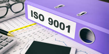 Iso 9001 の碑文と青リング バインダー。3 d イラストレーション 写真素材