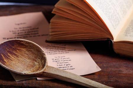 요리 책 개념입니다. 나무 올챙이와 조리법