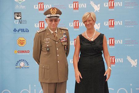 Giffoni Valle Piana, Salerno, Italia - 24 Luglio, 2015 : Roberta Pinotti e il Generale Claudio Graziano al Giffoni Film Festival 2015 - il 24 Luglio, 2015 a Giffoni Valle Piana, Italia Editorial