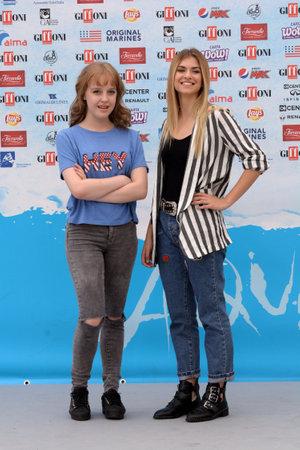 Giffoni Valle Piana, Sa, Italy - July 22, 2018 : Sara and Marti at Giffoni Film Festival 2018 - on July 22, 2018 in Giffoni Valle Piana, Italy Archivio Fotografico - 109183153
