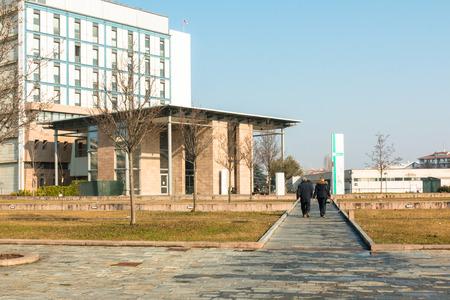 öffentliche modernes Krankenhaus Gebäude Eingang Lizenzfreie Bilder