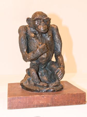 anthropomorphous: Small bronze statuette monkey chimpanzee