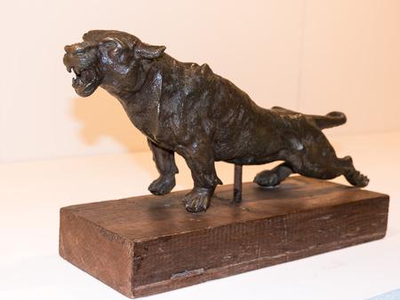 statuette: Dangerous Panther bronze statuette