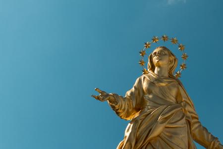 ミラノ, イタリアのマドンナ黄金像完璧なブロンズ レプリカ