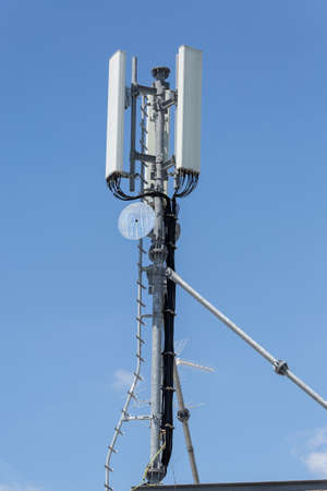 Telecommunication Tower with Antennas for Radio Communication and Cell Broadcast. Imagens