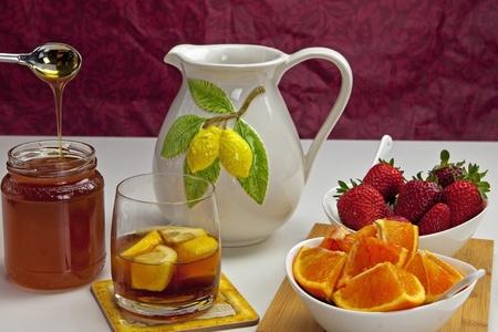 lemon tea with fresh fruits
