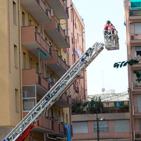 cornice: Firefighters working to put uncertainty of a cornice Editorial