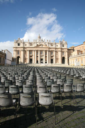 st: St. Peters Square waiting for the Pope