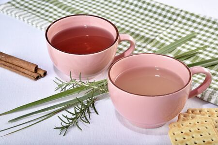 natural cinnamon tea, cloves, rosemary and lemon grass.