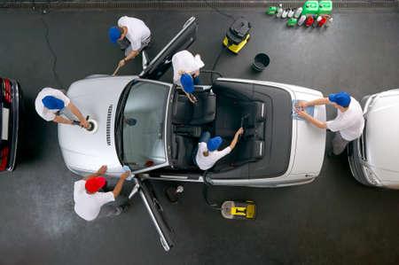 autolavaggio: Squadra di pulizia auto