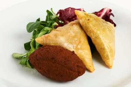 samosa: samosa and felafel with leaf salad