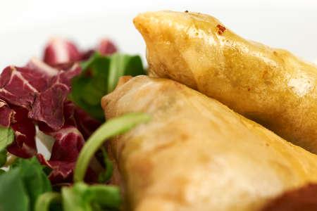 samosa: samosa with leaf salad