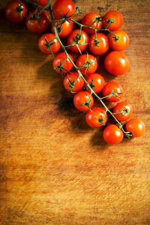 cherry tomatoes: Fresh cherry tomatoes