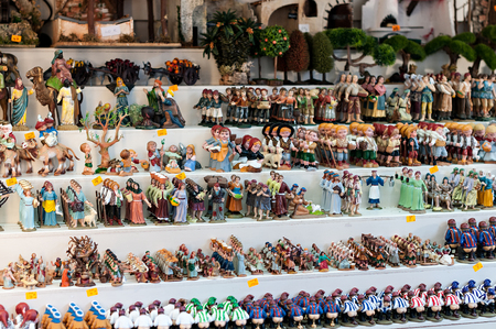 creche: Christmas figures in traditional trade